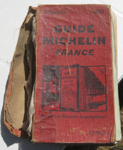 735px-Guide_michelin_1929_couverture (1)